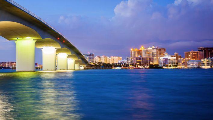 Le pont au-dessus de la baie de Sarasota.