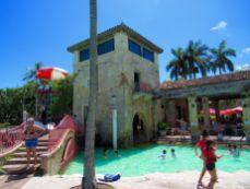 Venetian Pool : la piscine vénitienne de Coral Gables, à MiamiVenetian Pool : la piscine vénitienne de Coral Gables, à Miami