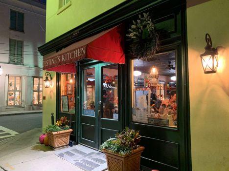 Le restaurant Jestine's Kitchen de Charleston.