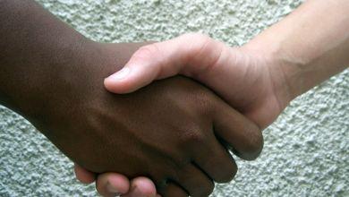Photo of Main dans la Main, un réseau francophone d'entraide en Floride ayant pour mission d'accueillir, d'écouter et d'orienter
