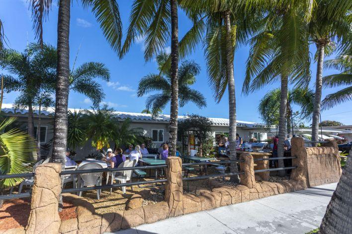 Richard's Motel ne cesse de s'agrandir à Hollywood (Floride)