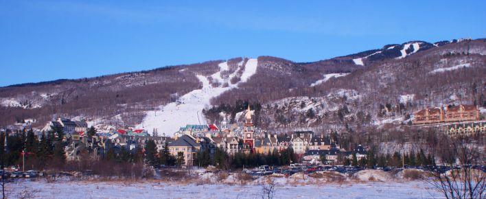Ski à Mont Tremblant près de Montréal au Québec.
