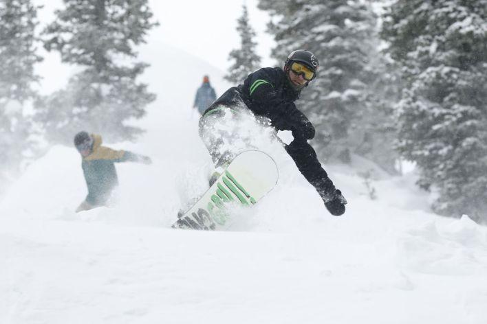 Snowboard au Brighton Ski Resor de Big Cottonwood Canyon dans l'Utah