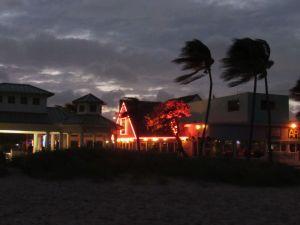 Arrivée de l'ouragan Isaias à Lauderdale-by-the-Sea