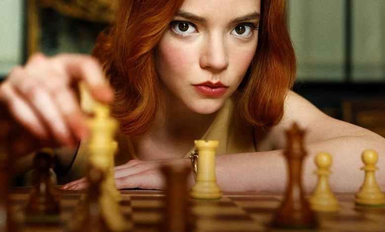 The Queen's Gambit : une série très fraîche sur une redoutable joueuse d'échecs