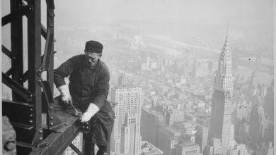 Un ouvrier sur le chantier de l'Empire State Building.