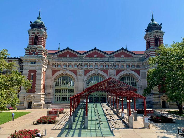 Visiter Ellis Island, près de la Statue de la Liberté à New-York