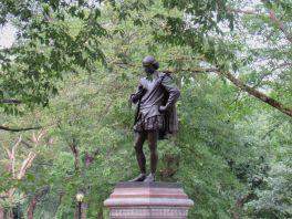 Statue de Shakespeare près du Mall de Central Park.