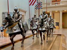 Salle des armures au Metropolitan Museum of Art de New-York