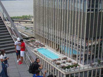Vue depuis Vessel, la nouvelle structure et attraction près de l'Hudson River, avec notre guide de voyage à New-York