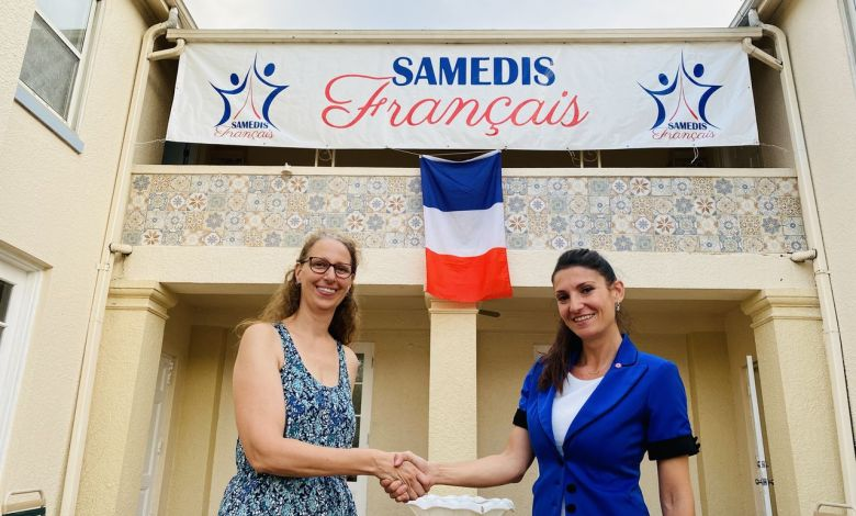 Marie Oury (à gauche) et Axelle Gault (à droite) : changement d présidente aux Samedis Français d'Orlando