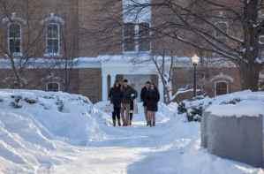 photo d'élèves dans la neige