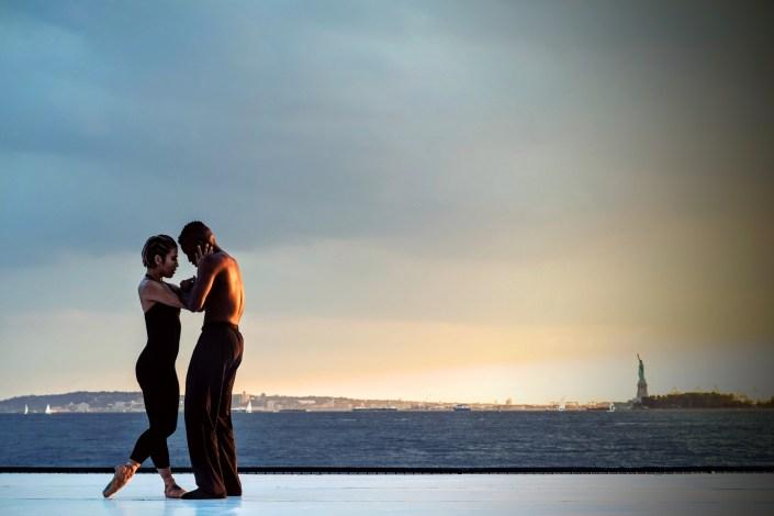 fille et garçon qui dansent la kizomba