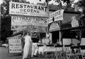 DOISNEAU-2789-Chez-Gegene-Joinville-le-Pont-1946