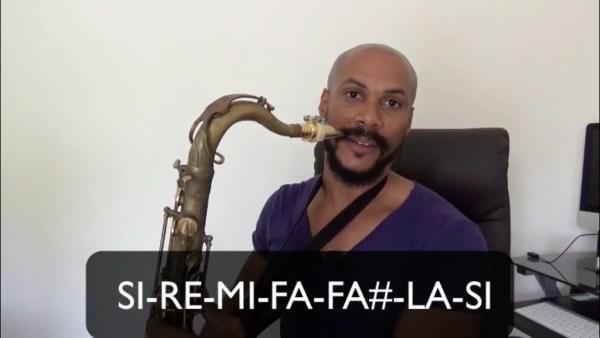 Tu découvrira dans cette vidéo la gamme de blues au saxophone plus précisément dans la tonalité de SI. Bon apprentissage amis saxophoniste!!
