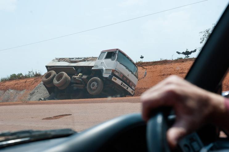 Regina Photographer - In Uganda - Road problems