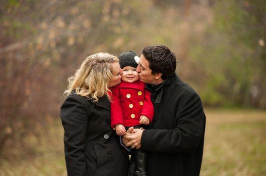 Regina Family Photographe - Laczko Family - Sandwich Kiss