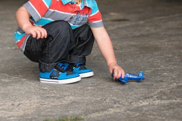 DC shoes at the Regina Flying Club - Regina Family Photography