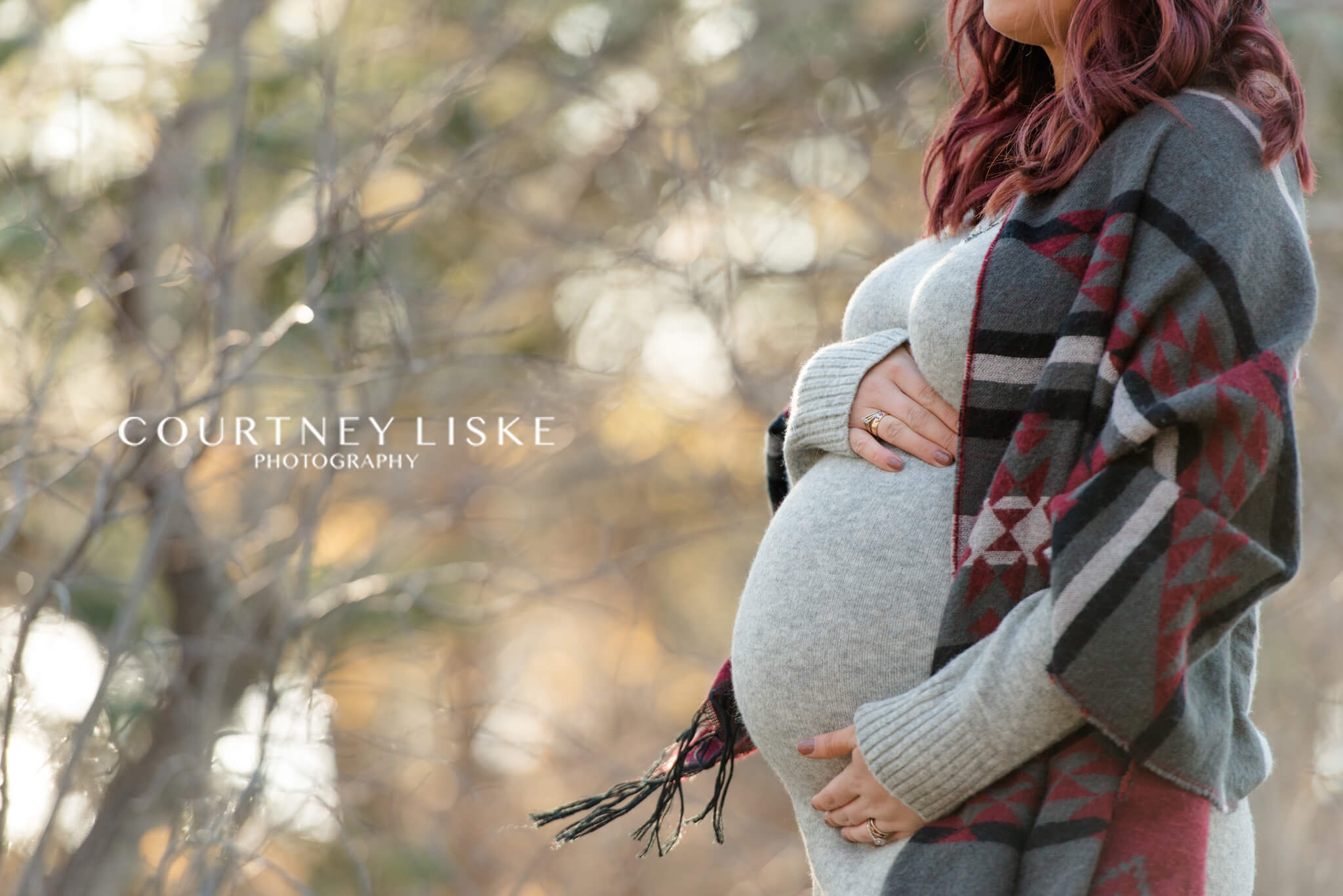 Maternity session with grey dress and scarf