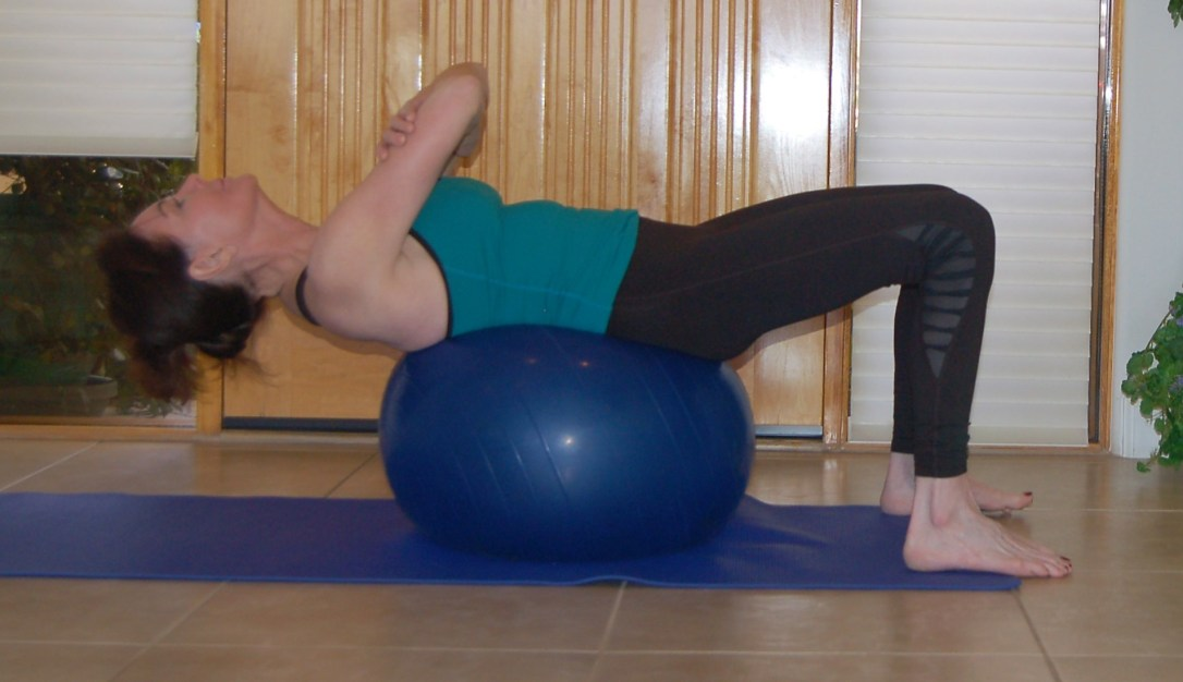 crunches on exercise ball 1