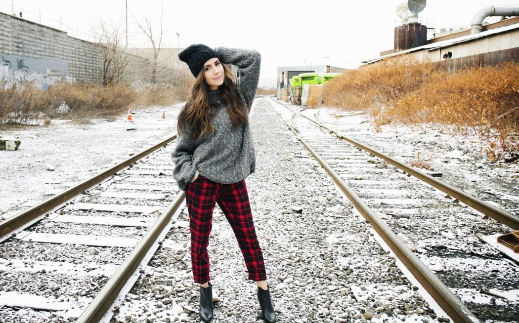 Courtney Scott Travel Blogger Plaid Anne Klein Hat