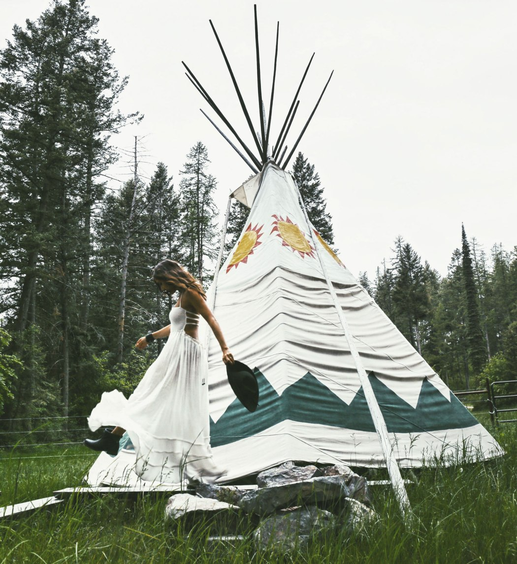 Courtney-Scott-Teepee-Montana-Glamping