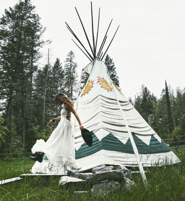 Courtney-Scott-Teepee-Montana-Glamping