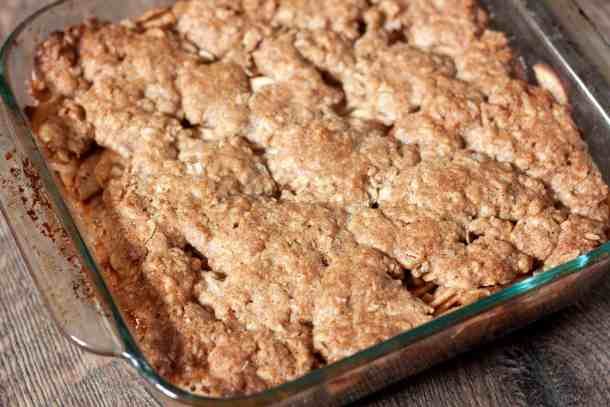 Cooked vegan apple crisp