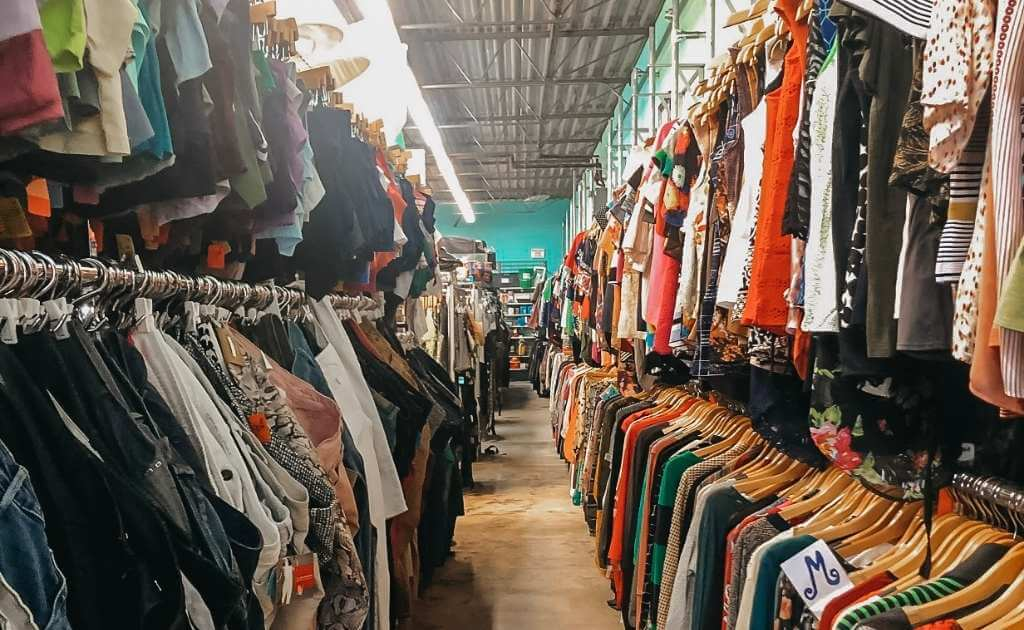 Chicago thrift stores - Chicago Budget Travel Guide