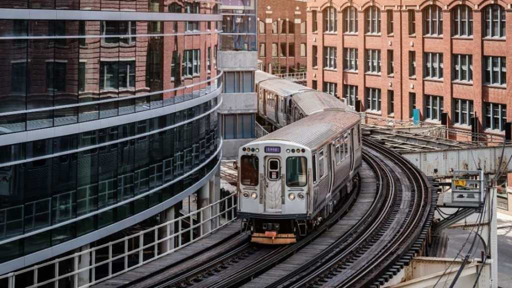 """The """"L"""" Chicago, CTA Train - Chicago Budget Travel Guide"""