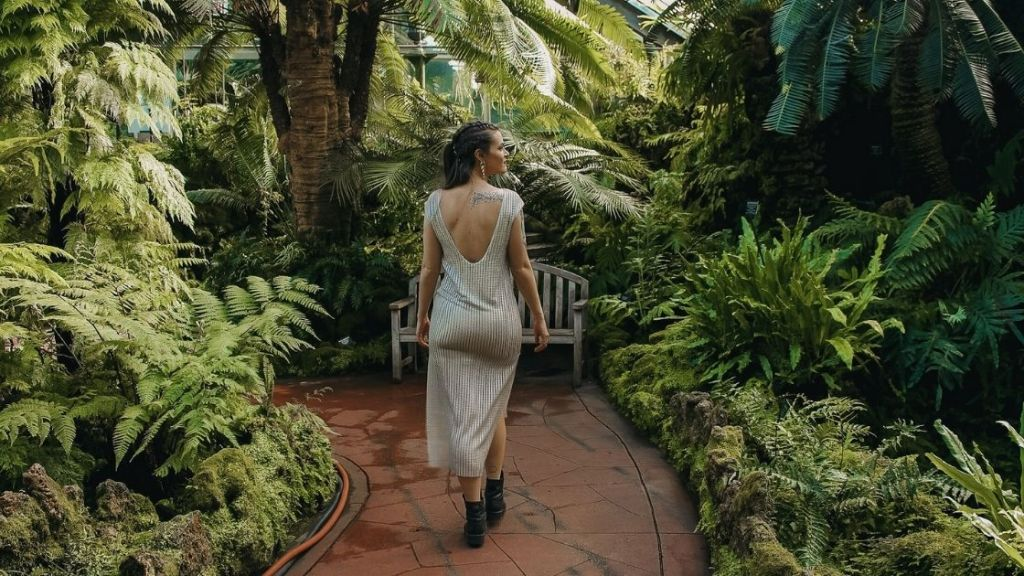 Lincoln Park Conservatory, Lincoln Park, Chicago - Chicago Budget Travel Guide