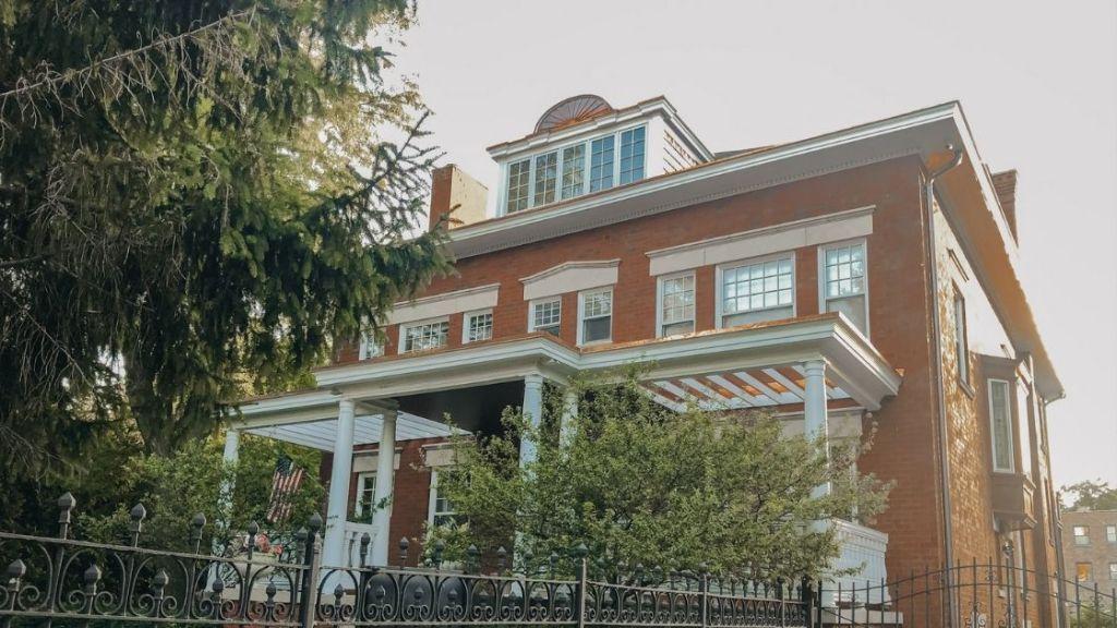 Obama's House, Hyde Park, Chicago - Chicago Budget Travel Guide