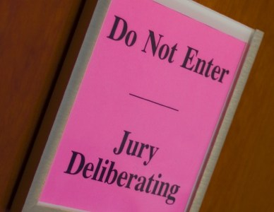 Sign on jury room that says Do Not Enter