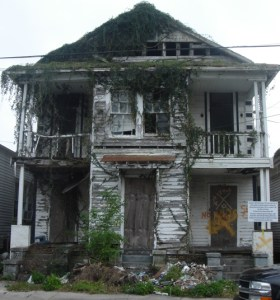 House at 3428 Dryades Street, New Orleans in state of advanced decay, illustrating article by Richard Klass, Esq. about New York State foreclosure laws. Photo by anthonyturducken. https://www.flickr.com/photos/37338074@N00