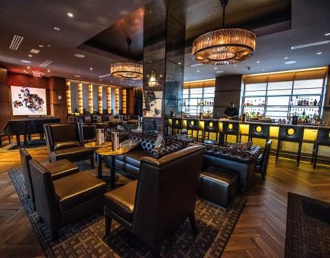 Public Belt—one of two bars in Hilton New Orleans Riverside.
