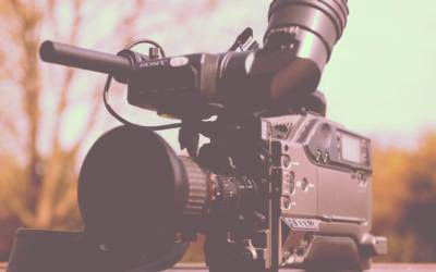 5 Reasons Why You Should Hire a Broadcast Television or Radio Veteran for Your Voiceover Project