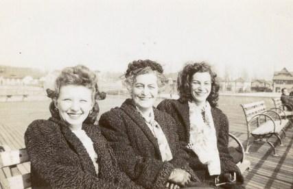 Pearl Blush Landes, Sadie Lustig Landes, Edith Landes (via Joel Landes)
