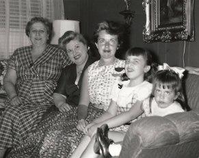 Anna Neckameyer Berman, Lillian Herman Klein, Vivian Klein Berman, Shari Berman Landes, and Wendie Berman, 1954 via Shari Berman Landes