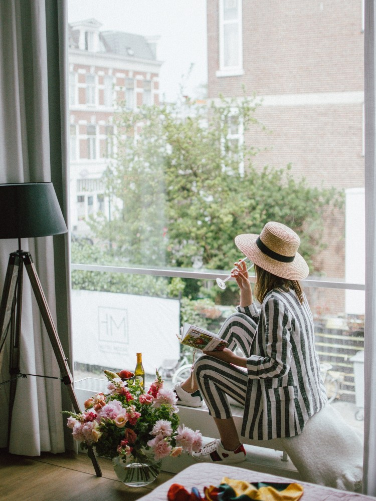 Stadsvilla Hotel Mozaic The Hague, Netherlands, Den Haag, travel blogger, where to stay in the hague, best hotels in holland, andreea birsan, couturezilla, travel diary 2018, hotels in the hague, four star hotels, the best hotels in the netherlands, junior suite, chic hotel, cozy and friendly staff, phone with free internet, wifi, comfortable room, vanity place, gluten free breakfast options, fresh flowers, travel diary, the best hotels, hotel review, hotel edit, what to do in the hague, the best hotel to stay at in the hague, breakfast, flowers bouquet