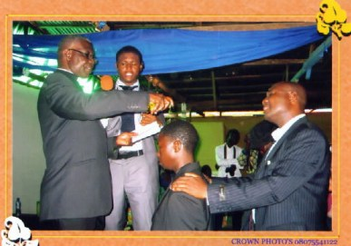 Ps. Nartey annointing the ordinee