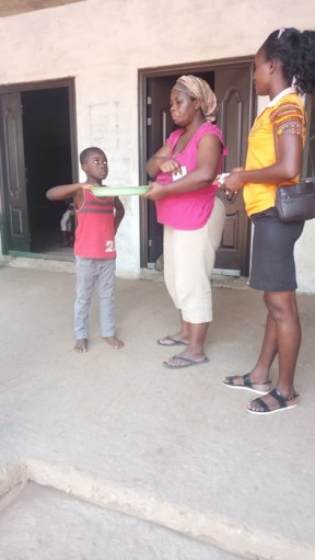 Della witnessing to a woman and son Kwabenya - Oct 2017