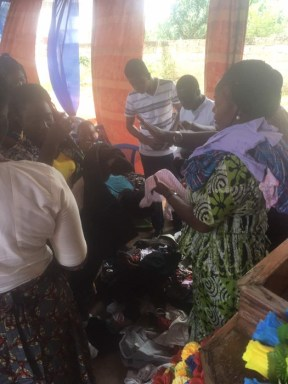 Distribution of clothes5