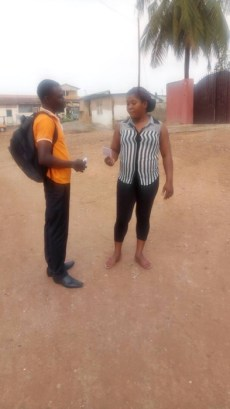 David giving a tract to a woman