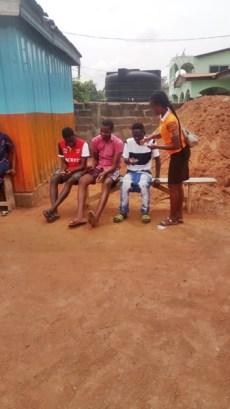 Della giving tracts to 3 men