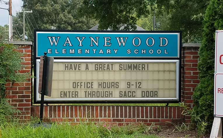 Sign in front of Waynewood