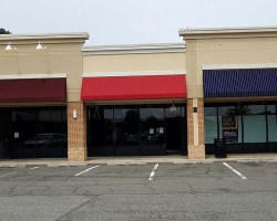 Exterior of Phenix location at Mount Vernon Plaza shopping center