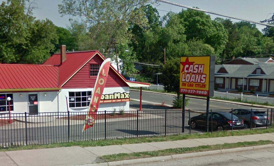 Title loan store at the corner of Richmond Highway and Fairhaven Avenue