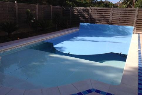 stores de piscine volets et couverture de piscine hors sol coverline. Black Bedroom Furniture Sets. Home Design Ideas