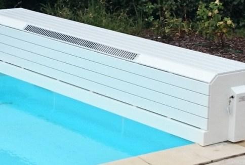 au volet de piscine banc avec panneau solaire discret en façade installation 30420 CALVISSON département gard