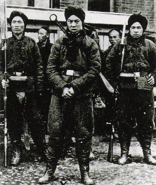 Aufständische Chinesen (Boxer) um 1900